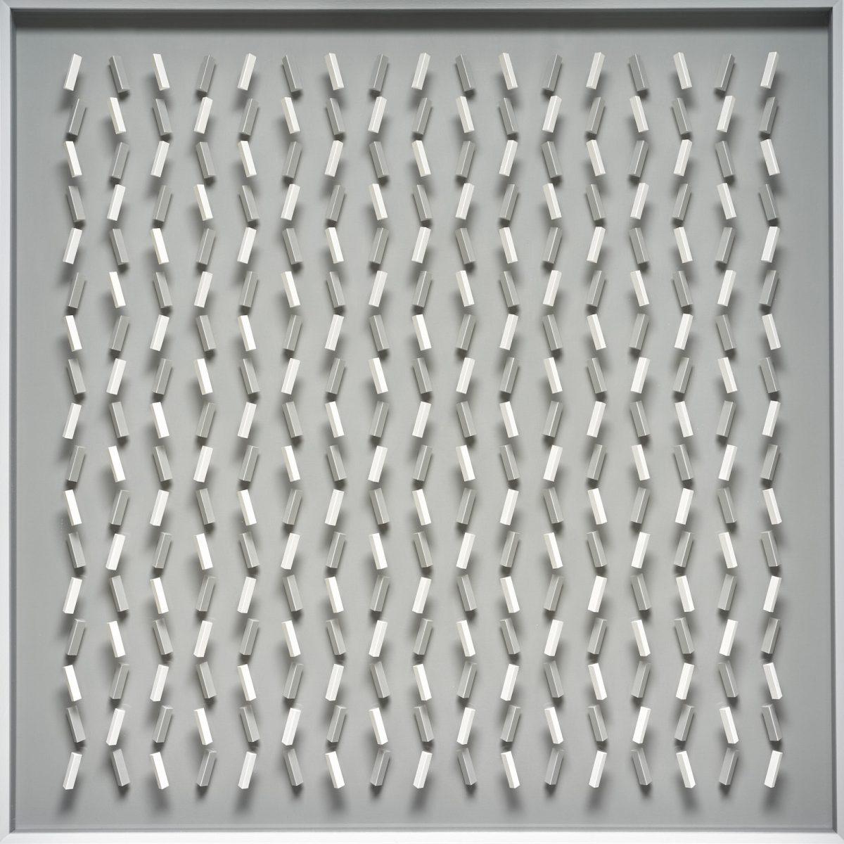 04 Klaus Staudt, example for, 2017, 85 x 85 x 7,5cm, Holz, Acrylfarbe, Acrylglas grau; Foto: Norbert Miguletz