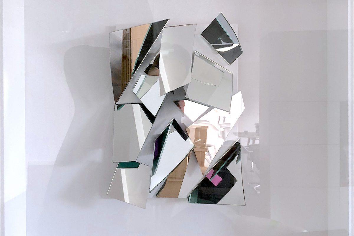 Christian Megert, Spiegelobjekt, 2012, Spiegel, Holz, Acrylglas, 62 x 52 x 12 cm