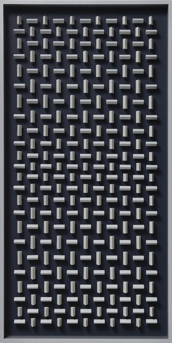 18 Klaus Staudt, Parameter, 2015, 97,6 x 49,2 x 6,5cm, Holz, Acrylfarbe, Plexiglas; Foto: Norbert Miguletz