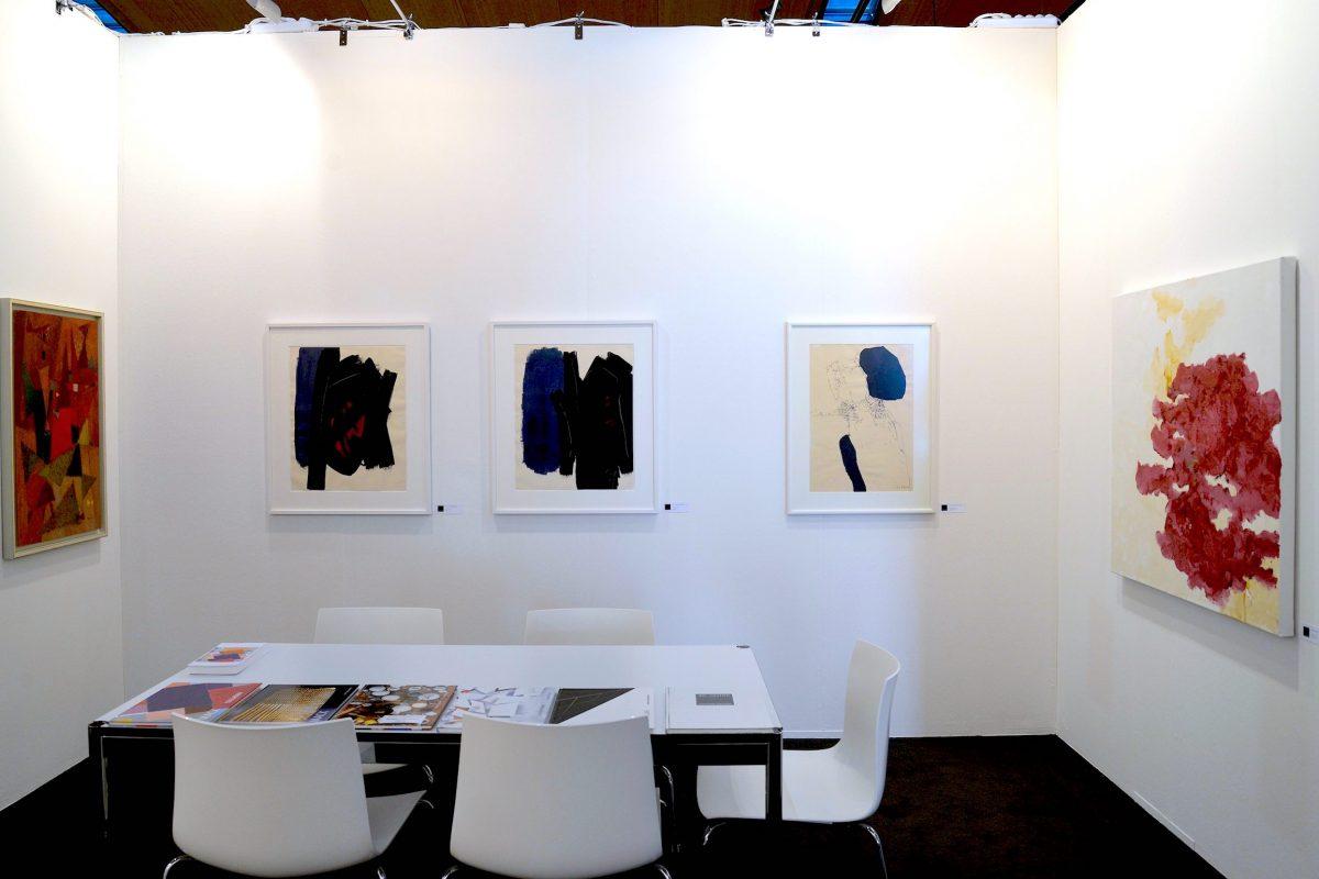 Die Galerie Geiger auf der art Karlsruhe 2019 - Standimpression mit Werken von Richard Neuz, Günther C. Kirchberger, Georg Karl Pfahler und Armando