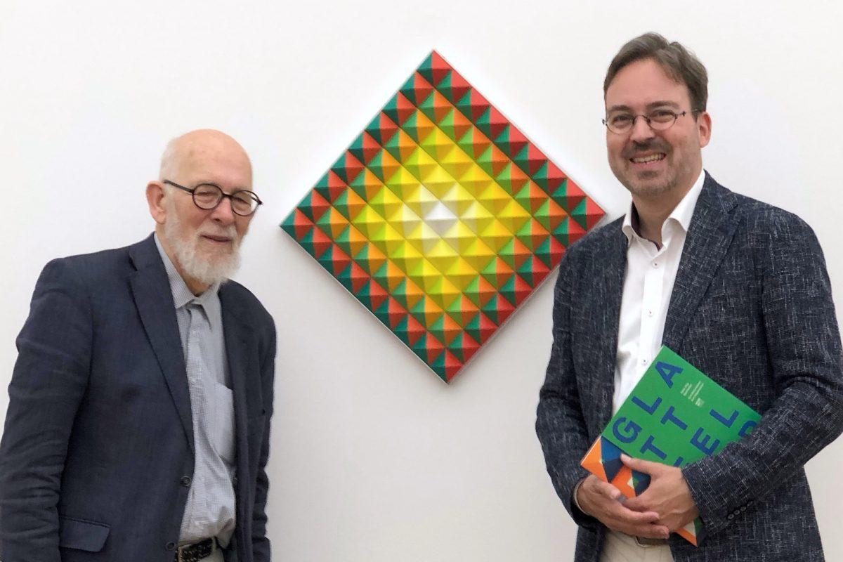 """Hans Jörg Glattfelder und Stephan Geiger in der Ausstellung """"Hans Jörg Glattfelder - Vom Besonderen zum Allgemeinen"""", Museum Ritter, Waldenbuch, Foto: Roland Geiger"""