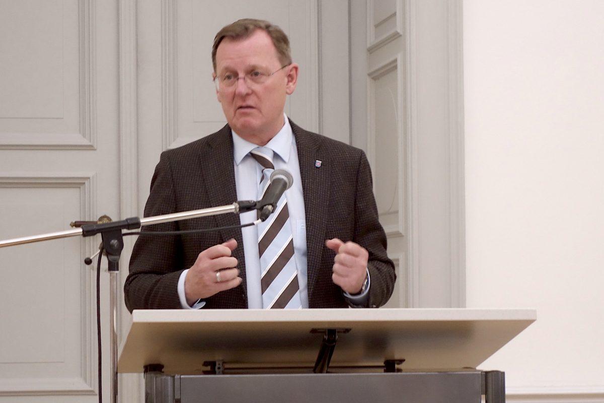 Verleihung des Gerhard-Altenbourg-Preises an herman de vries durch den Ministerpräsidenten des Landes Thüringen Bodo Ramelow, Foto: Lilian Seegers