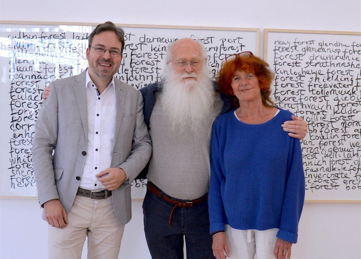 Stephan Geiger mit herman und susanne de vries bei der Vernissage in Konstanz.